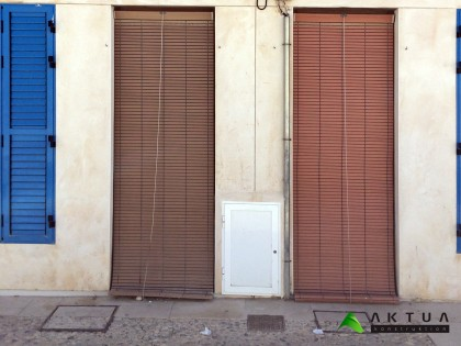 Wooden roller shutters agains heat