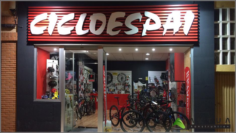 Aparador Retro Colorido ~ Tienda de bicis Cicloespai, Segorbe, Castellón AKTUA
