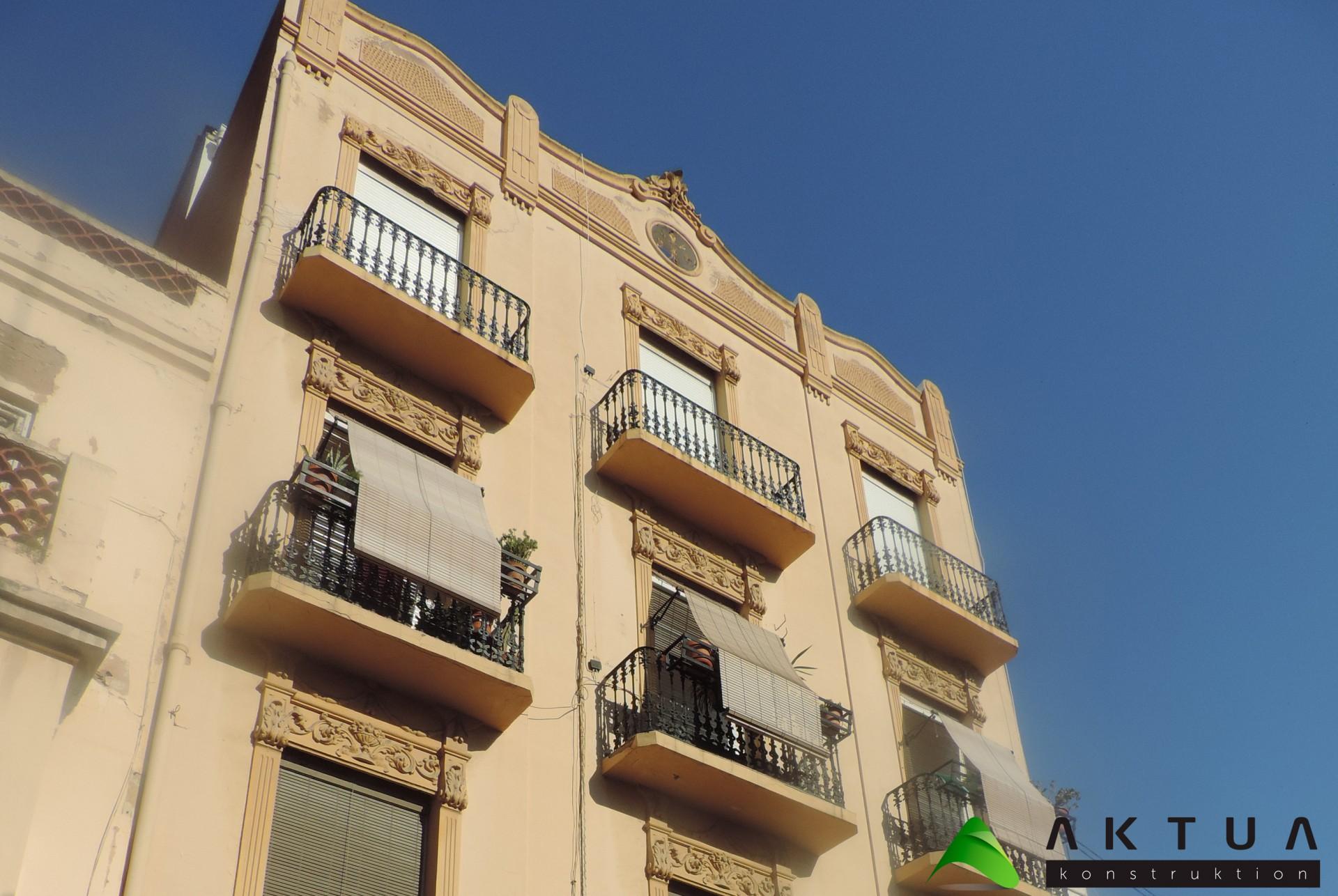 Rehabilitación de edificios Valencia: escalera compensada
