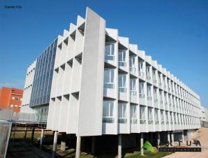edificio con cristales fotovoltaicos